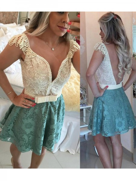 A-Line/Princess Green Lace Short/Mini Homecoming Dresses with Beading