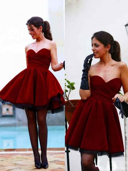 A-Line/Princess Red Satin Short/Mini Homecoming Dresses
