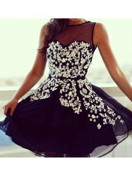 A-Line/Princess Black Tulle Short/Mini Homecoming Dresses with Applique