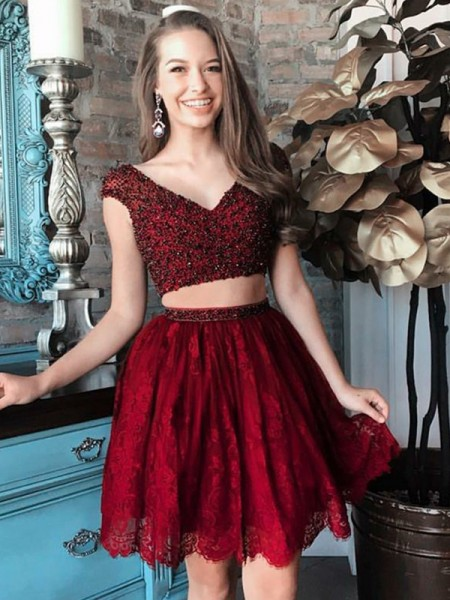 A-Line/Princess Burgundy Lace Short/Mini Homecoming Dresses with Beading