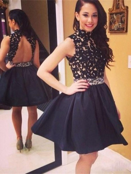 A-Line/Princess Black Taffeta Short/Mini Homecoming Dresses with Lace