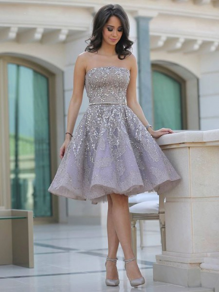A-Line/Princess Champagne Satin Knee-Length Homecoming Dresses with Sequin
