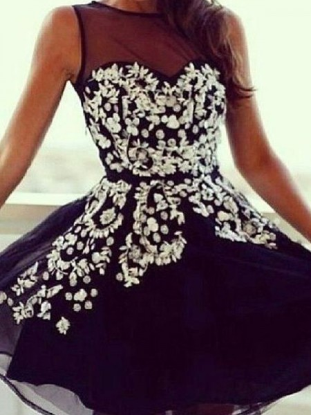A-Line/Princess Black Chiffon Short/Mini Homecoming Dresses with Applique