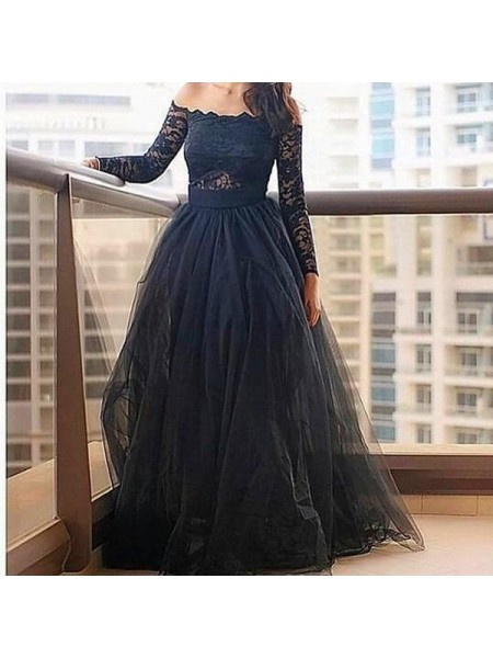 A-Line/Princess Black Tulle Floor-Length Dresses with Lace