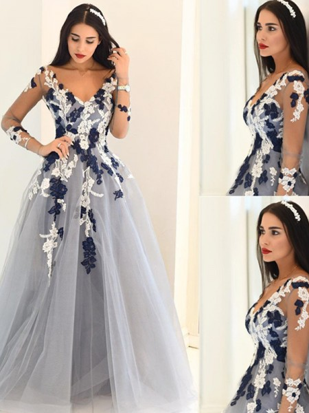A-Line/Princess Silver Tulle Sweep/Brush Train Dresses with Applique