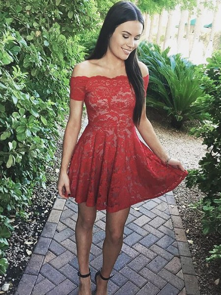 A-Line/Princess Red Lace Short/Mini Homecoming Dresses