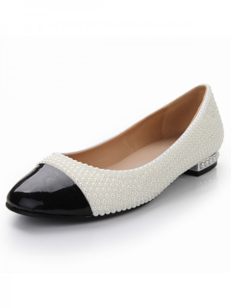 SheenOut Patent Leather Flat Heel Closed Toe With Pearl Casual Flat Shoes S5MA0370LF