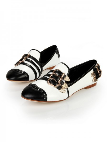 SheenOut Flat Heel Closed Toe Patent Leather With Buckle Flat Shoes SLSDN1491LF