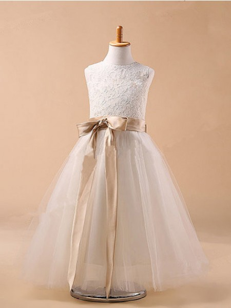Ball Gown White Tulle Floor-Length Flower Girl Dresses with Bowknot